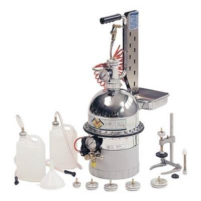 Dispozitiv aerisire si inlocuire lichid frana si sistem ambreiaj hidraulic cu set universal de rezervoare